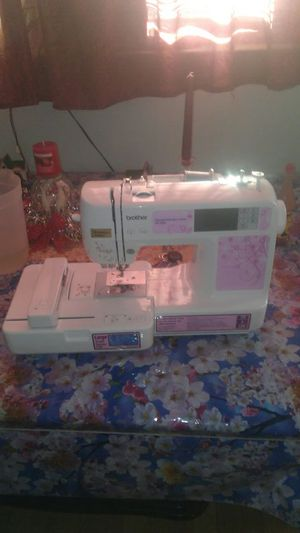 Sewing machina for Sale in Philadelphia, PA