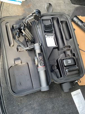Used Zhiyun Crane 2 Professional 3-Axis DSLR Camera Gimbal Stabilizer for Sale in Lakewood, CA