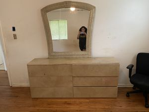 6 Draw Dresser With mirror for Sale in Riverdale, GA