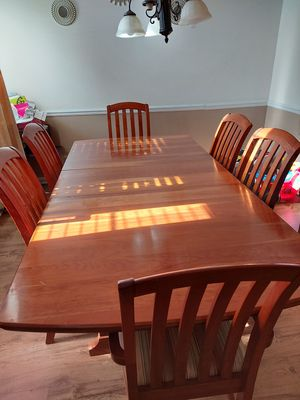 8pcs Family dining set for Sale in Katy, TX