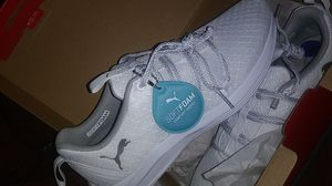 Softfoam pumas size 8 1\2 for Sale in Boston, MA