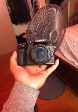 Panasonic G7 4k Mirrorless Camera w/ 3 batteries for Sale in Buena Park, CA