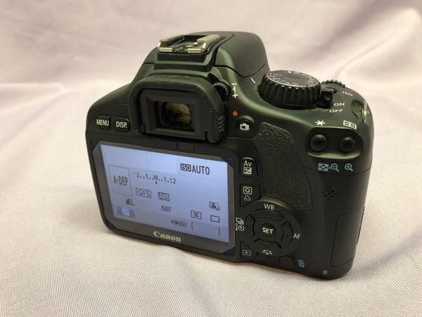 Canon EOS Rebel T2i / EOS 550D 18.0MP Digital Camera - Black! Works Great! Retail $399!