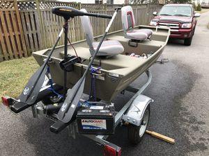Jon Boat with Trailer for Sale in Woodbridge, VA