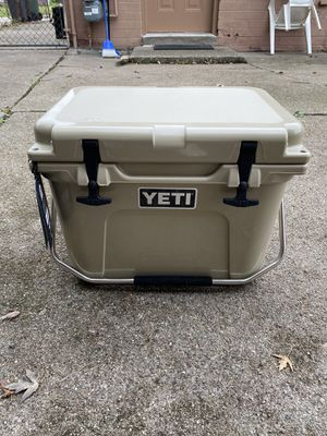 YETI Roadie 20 Cooler for Sale in Southgate, MI