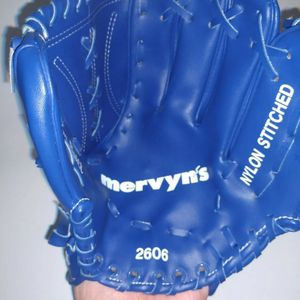 VINTAGE DODGERS Blue Giveaway Fielding Glove Mit From The 1980's Mervyn's youth for Sale in East Los Angeles, CA