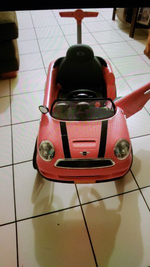 Baby pink mini cooper for Sale in Homestead, FL