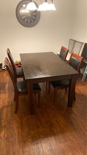 Dining Room Table w/ Extensions and 6 Chairs for Sale in Manassas, VA