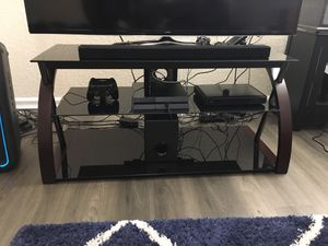 TV Stand - Glass Top for Sale in Miramar, FL