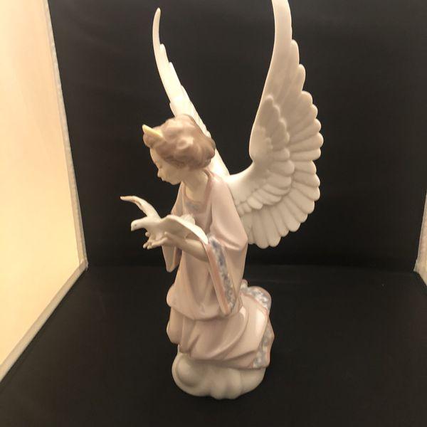 Lladro Angel of Peace #6131