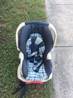 Graco car seat w/ base for Sale in Chesapeake, VA