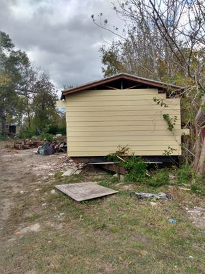 Commercial lot for sale (has mobile home that needs to be remodel) for Sale in Houston, TX