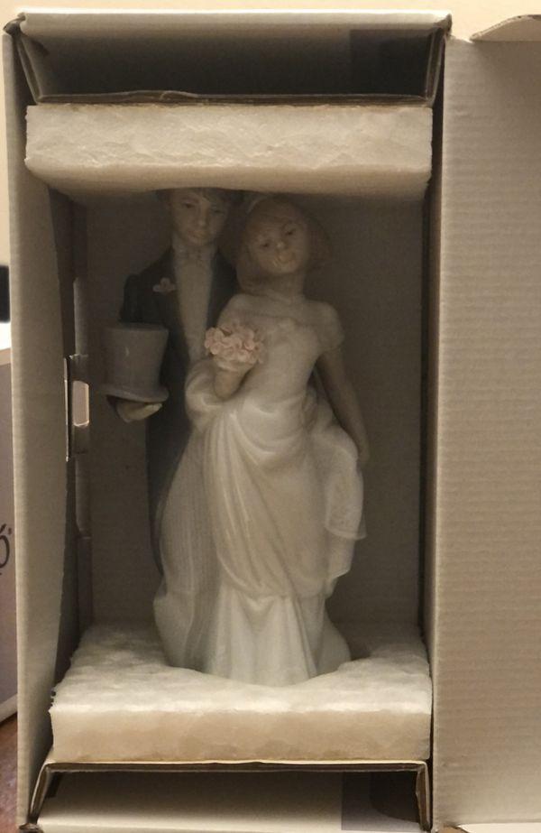 "LLADRO ""WEDDING BELLS"" #6164"