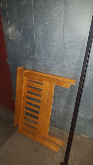 Twin size bed w/ matresses for Sale in Chico, CA