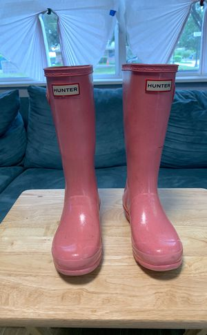 Sparkly pink girls Hunter rain boots. for Sale in Oakland Park, FL