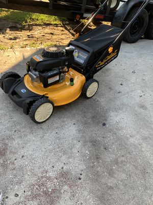 CUB CADET PUSH LAWN MOWER for Sale in Tampa, FL