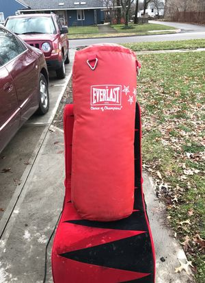 Smaller sized everlast heavy bag for Sale in Berea, OH