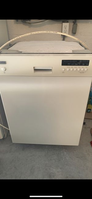 Kenmore dishwasher for Sale in Lakeland, FL