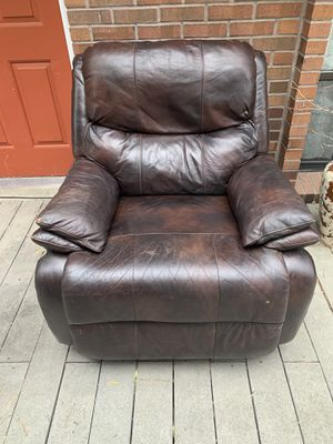 Leather Lazy boy recliner for Sale in Draper, UT