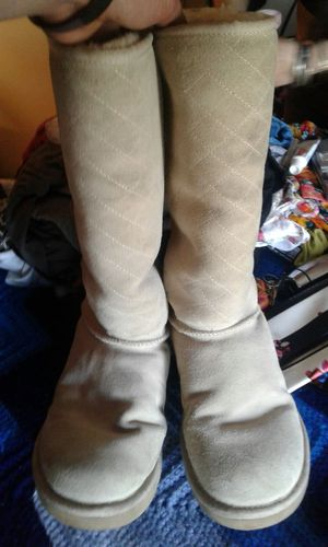 Uggs boots size 10. for Sale in Portland, OR
