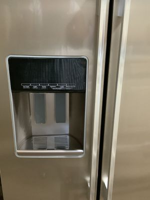 Whirlpool Side by Side refrigerator for Sale in Bluffton, SC