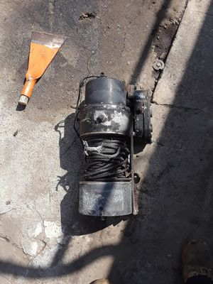 Assorted electric winches for Sale in Burbank, CA
