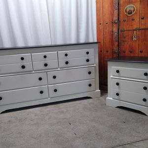 Dresser And Nightstand for Sale in Vancouver, WA