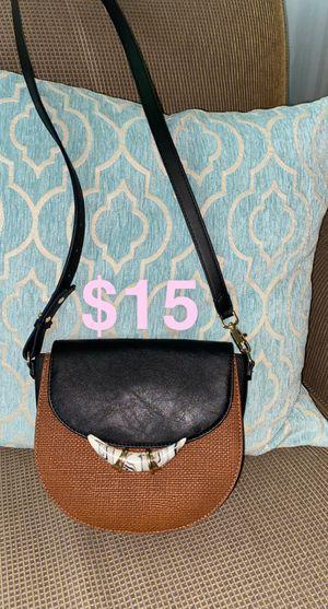 Cross Body Bag- Like New for Sale in Andover, KS