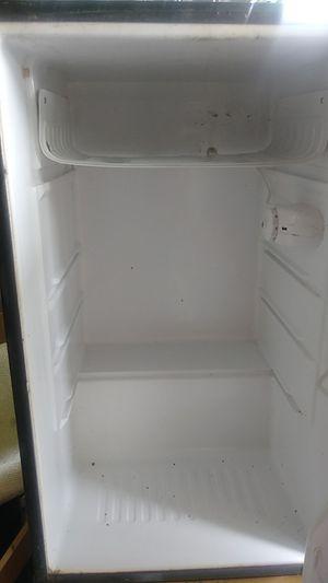 Magic chef mini refrigerator for Sale in Columbus, OH