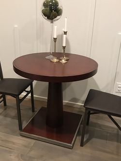 Small Table With Two Folding Chairs !! Table Size 32 In D X 30 In H ! for Sale in Vancouver,  WA