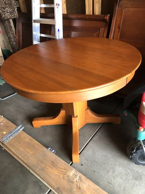Solid Wood Round Dining Table for Sale in Obetz, OH
