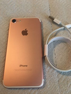 iPhone 7 unlocked for any carrier for Sale in Brockton, MA