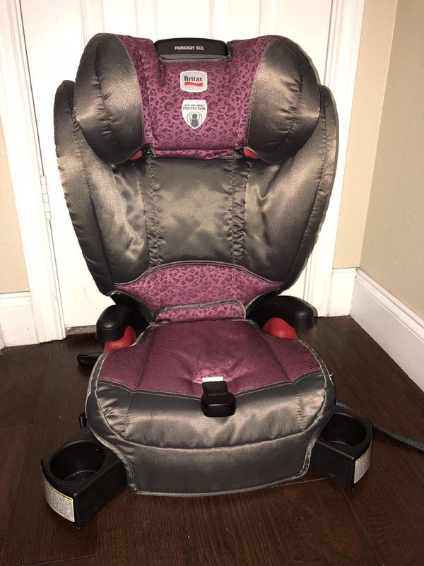 Britax parkway sgl booster car seat- excellent condition