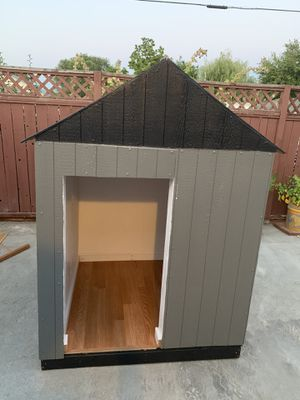 I build dog houses for Sale in Grandview, WA