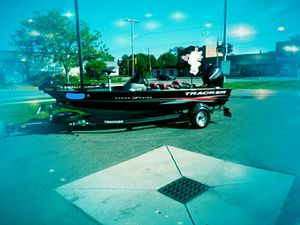 2017 bass tracker for Sale in Mount Clemens, MI