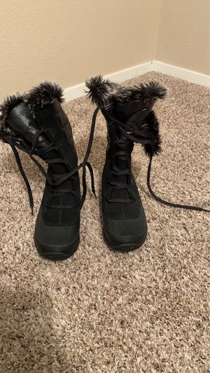 Women's North Face Snow Boots for Sale in Tulare, CA