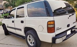 LUXURY **ONE NON SMOKER OWNER** 2003 SUV CHEVY TAHOE for Sale in Durham, NC