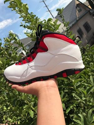 Air Jordan 10 Retro/Size 9.5 for Sale in Los Angeles, CA