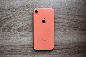 Apple iPhone XR Coral 64 GB Unlocked for Sale in Alexandria, VA