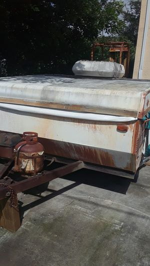 Pop up camper trailer camping Coachmen travel AS IS for Sale in Fort Lauderdale, FL