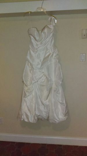 Bride/Jr Bride dress for Sale in West Palm Beach, FL