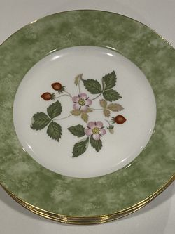 Wedgewood Wild Strawberry Salad Plates for Sale in North Bend,  WA