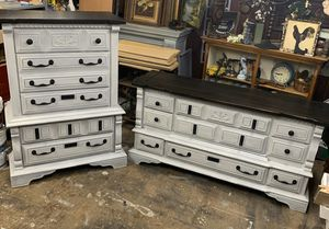 Stunning rustic farmhouse bedroom dresser set for Sale in Buckley, WA
