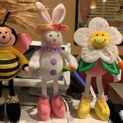 Easter Bunny With Flower And Homeybee Lighted Set for Sale in Fort Lauderdale,  FL