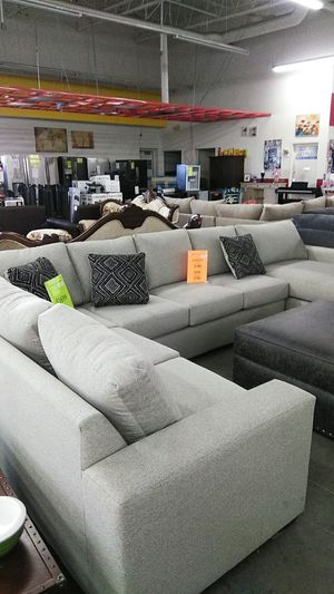 Bermuda love seat and sofa for Sale in Ontario, CA