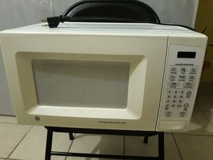 Vendo microwave Oven en buenas condiciones for Sale in Industry, CA
