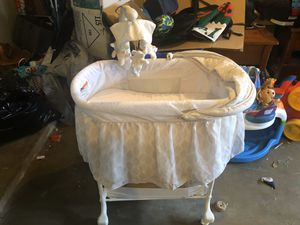 Baby Bassinet for Sale in Port Neches, TX
