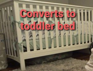 White baby crib convertible toddler bed with mattress, sheets, bumper for Sale in Phoenix, AZ