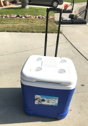 Cooler ice chest for Sale in Fontana, CA