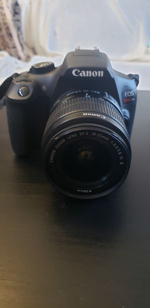 Canon EOS Rebel T6 includes Canon Zoom Lens & Accessories for Sale in Las Vegas, NV